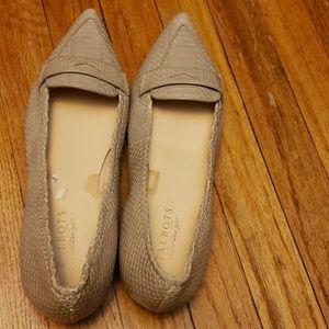 Talbots Gray Slip On Pointy Toe Flat Shoe Size 10.